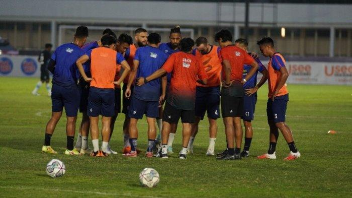 Para pemain Arema FC dalam kompetisi BRI Liga 1 2021.