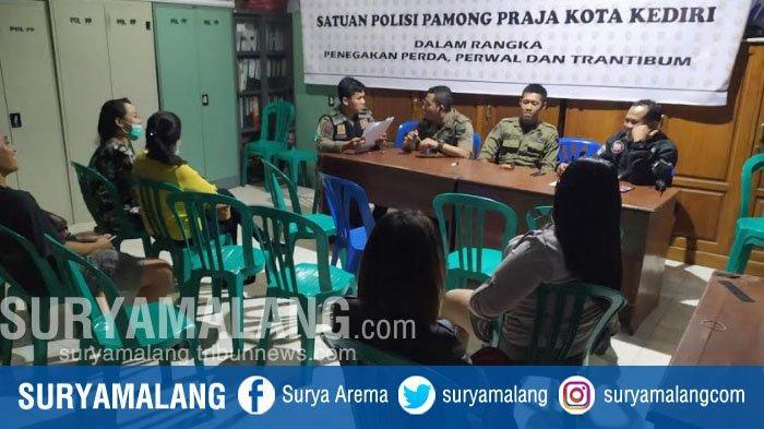 Pasangan Bukan Suami Istri di Kamar Kos Digerebek Satpol PP Kota Kediri