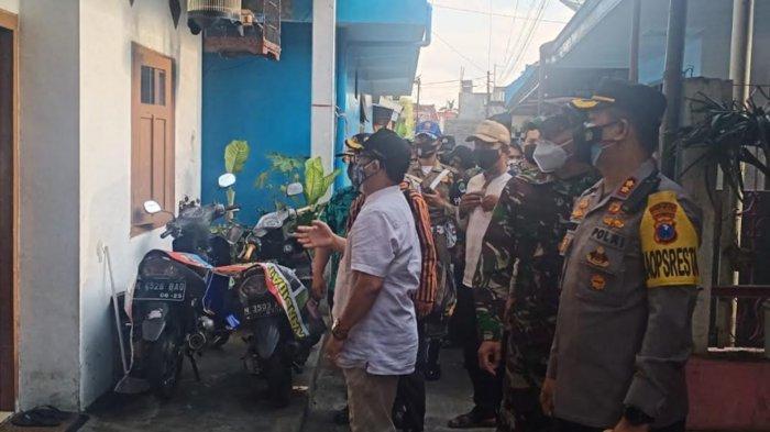Tinjau Pasien Covid-19 Isolasi Mandiri, Forkopimda Kota Malang Serahkan Bantuan Sembako