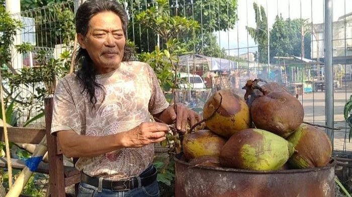 Kelapa Muda Atau Degan Ijo yang Dibakar Dipercaya Bisa Menangkal Virus Corona, Resep Kearifan Lokal