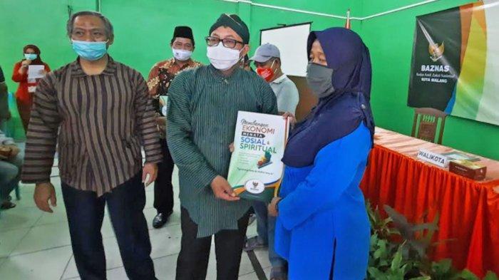 Pemkot Malang Beri PKL di Kayutangan Heritage Uang Rp 500 Ribu Sebagai Bentuk Apresiasi