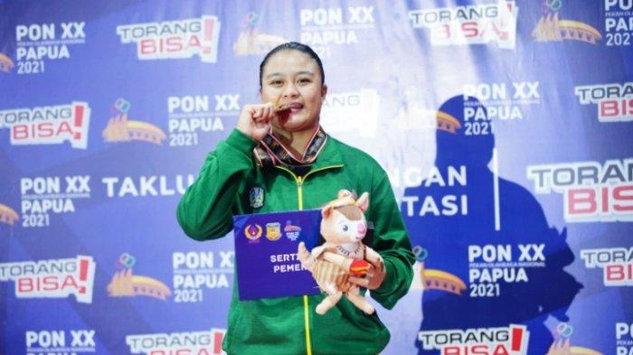 Pegulat Jatim, Varadisa Septi Sumbang Medali Emas dari Cabor Gulat PON XX Papua 2021