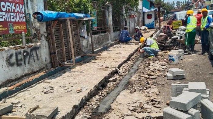 Pemkot Bangun Trotar Ramah Difabel di Alun-alun Kota Batu