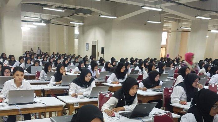 Setelah Hari Pertama Dibatalkan, Hari Kedua Tes CPNS Di Kediri Berlangsung Hingga Malam