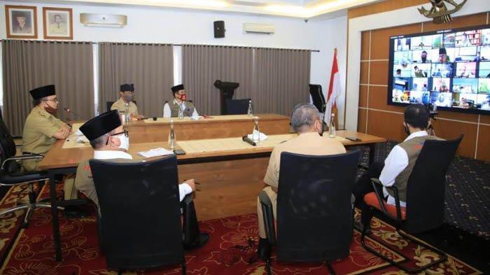 Bupati Anas Bagi Strategi Pariwisata Era New Normal ke Ratusan Pelaku Wisata Jatim