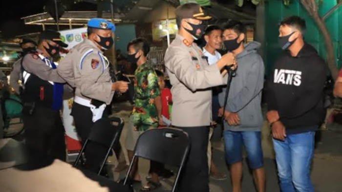 Polres, TNI, dan Satpol PP Kab Kediri Gelar Operasi Yustisi Protokol Kesehatan di Simpang Lima Gumul