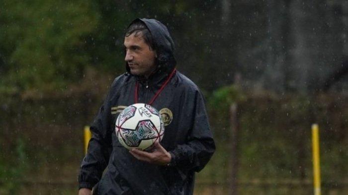 Pelatih Arema FC Eduardo Almeida di Liga 1 2021
