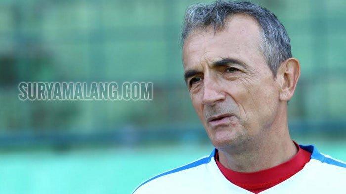 Sama dengan Arema FC, Milomir Seslija Datangkan Kiper Asing dan Striker Asing bagi PSM Makassar