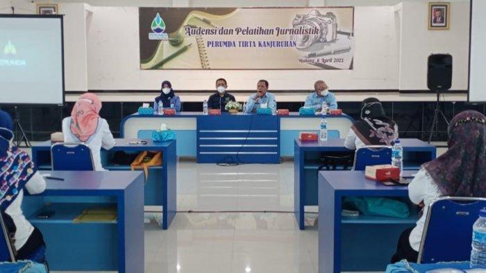 Perumda Tirta Kanjuruhan Dapat Pelatihan Jurnalistik dari PWI Malang Raya, Ini Tujuannya