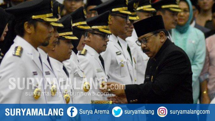 Lantik 12 Kepala Daerah, Soekarwo Singgung Kusta di Lumajang dan Pengangguran di Kota Malang
