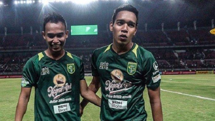 Arema FC Vs Persebaya - Kartu Kuning Pertama untuk Abu Rizal Maulana