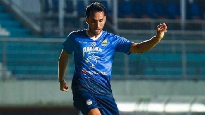 Andalan Persib Bandung Ezra Walian Siap Hadapi Liga, Harapan Kembali Bela Timnas Indonesia Tersorot