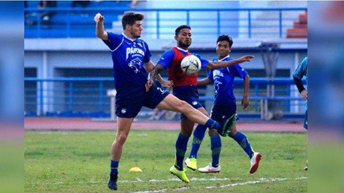 Daftar Lengkap Susunan Pemain Persib Bandung Setelah Resmi Kontrak 2 Pemain Asing
