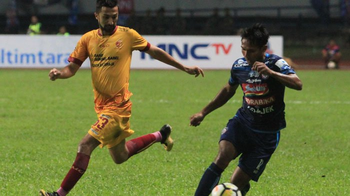 Sisi Romantis Gelandang Arema FC, Hendro Siswanto