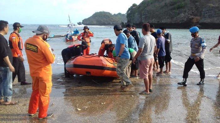 Tersapu Ombak Besar di Spot Pemancingan Langitan Pacitan, Mayat 2 Pemancing Ditemukan di Pantai Srau