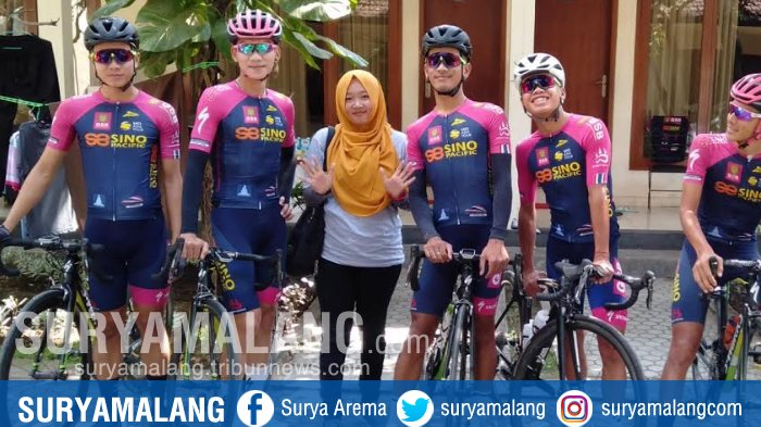 Inilah Pengalaman Para Gadis Pendamping Pembalap International Tour de Banyuwangi Ijen 2018
