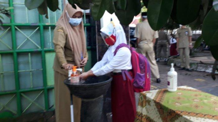 Dampak Pandemi, Dindikbud Kota Malang Salurkan Program Bantuan Sosial ke Pedagang Sekolah