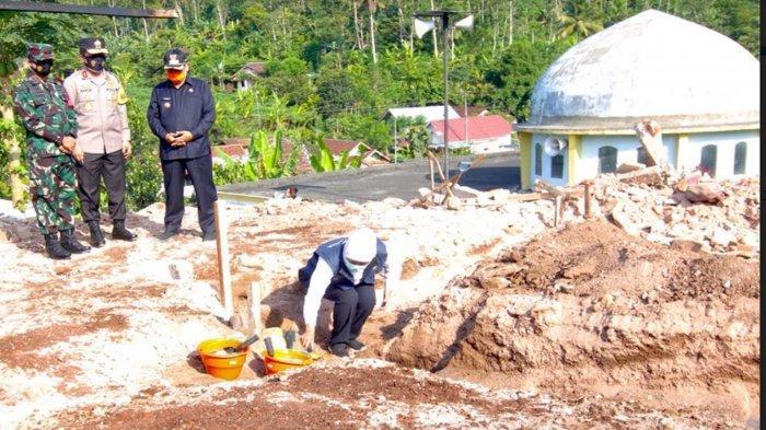 Korban Gempa di Desa Jogomulyan Tirtoyudo Kabupaten Malang Dibangunkan Rumah Sederhana Sementara