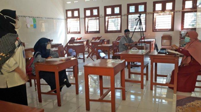 Kepala Kancab Dindik Jatim Wilayah Kota Malang-Batu Pantau Pelaksanaan PTM Terbatas di 2 Sekolah