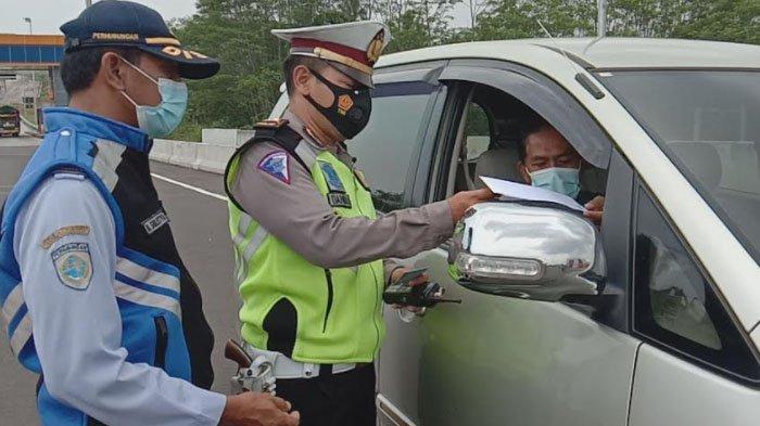 16 Mobil Gagal Masuk Kota Malang dari Tol Madyopuro pada Hari Pertama Larangan Mudik Lebaran 2021