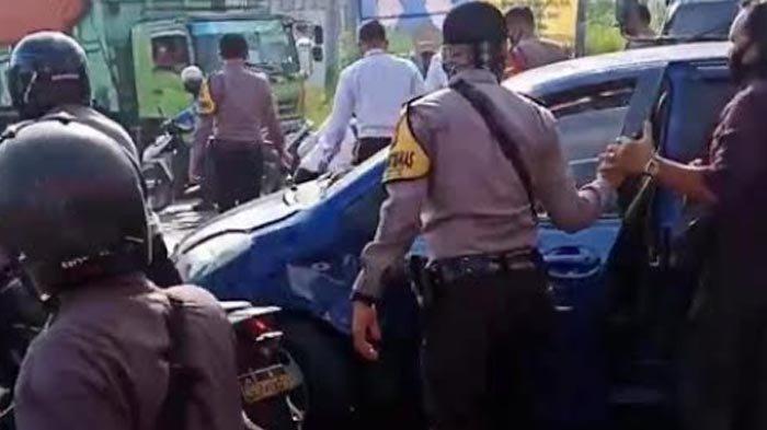 Pemuda Surabaya Kabur saat Didatangi Polisi, Aksi Kejar-Kejaran Mobil Terjadi Hingga Tabrak Motor