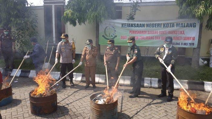 Kejaksaan Negeri Kota Malang Musnahkan 17 Kg Ganja dan Sabu, Hasil Dari Penindakan 234 Perkara