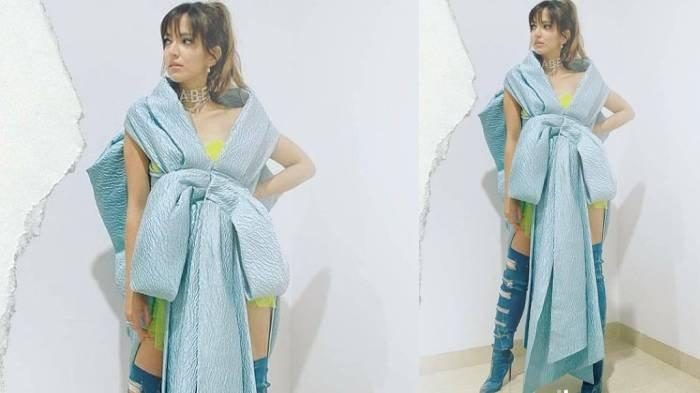 Penampakan gaun pita Nia Ramadhani di TikTok Awards