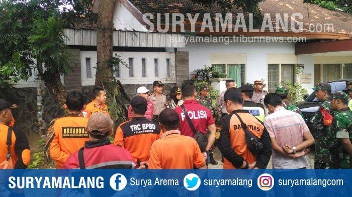 Update Berita Toyota Avanza Tercebur di Sungai Brantas Tulungagung, Tim SAR Cari 3 Penumpang Hilang