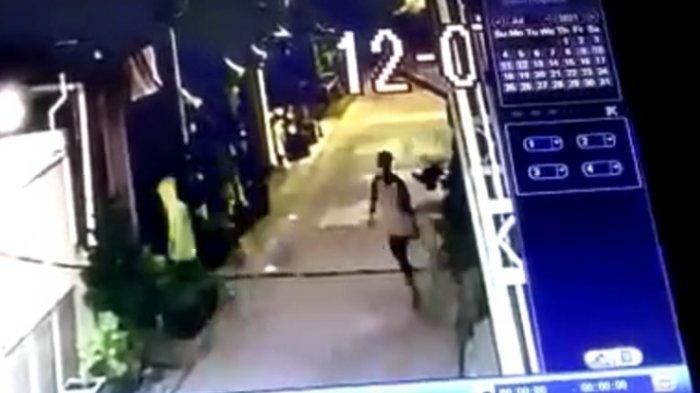 Pencurian Motor Honda Beat Terekam CCTV di Jalan Dukuh Babat Jerawat VIII, Surabaya