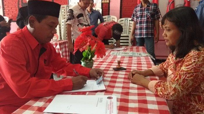 Dapat Dukungan Kader Senior, Genik Orang Pertama Yang Daftar Menjadi Calon Wawali Kota Blitar