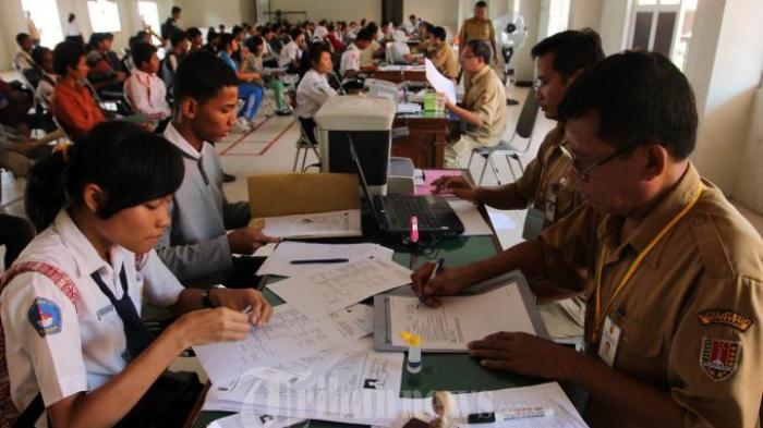Ini Wacana Baru Pendaftaran SMA dan SMK Nanti Per Daerah