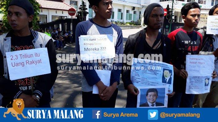 Unjuk Rasa Kasus Korupsi e-KTP, Demonstran Bawa Gambar Setya Novanto