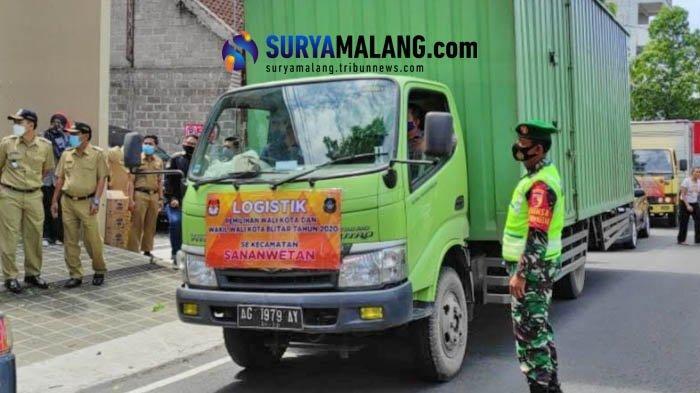 Pendistribusian Logistik Pemilu Pilwali Blitar 2020 ke Tiap Kelurahan Dikawal Ketat Aparat
