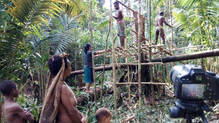 Reaksi Warga Suku Koroway di Papua ketika Pertama Kali Lihat Orang Salat