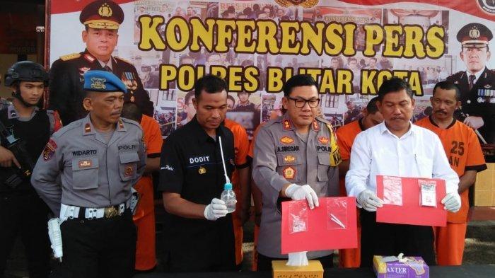 Satnarkoba Bekuk Pemasok Sabu Dua Pria Blitar Yang Ditangkap Saat Pesta Narkoba Di Rumah Kosong