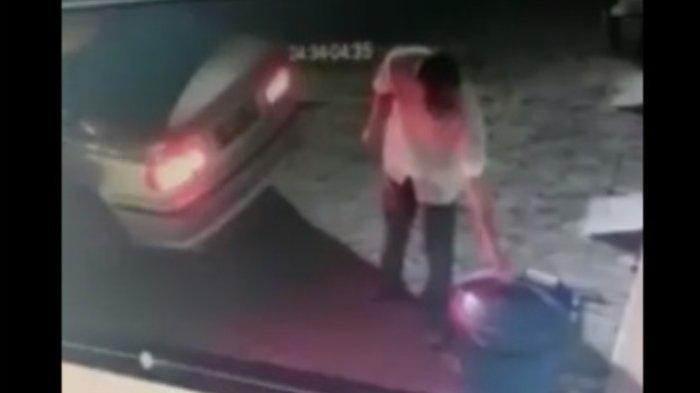 VIDEO VIRAL - Tajir Melintir Naik Mobil Mewah BMW Tapi Mencuri Tong Sampah di Kota Malang