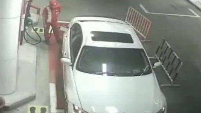 Pengemudi Mobil Mewah BMW Kabur Setelah Isi Bensin Rp 602 Ribu, Karyawan SPBU yang Harus Ganti Rugi