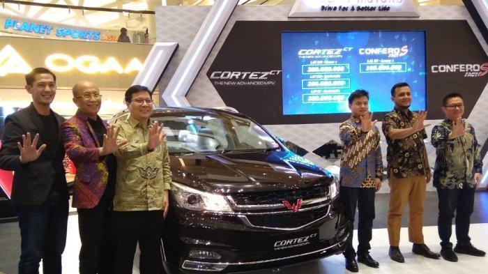 Mobil Tiongkok Unjuk Gigi Di Pasar Surabaya, Wuling Cortez CT Dan Confero S ACT