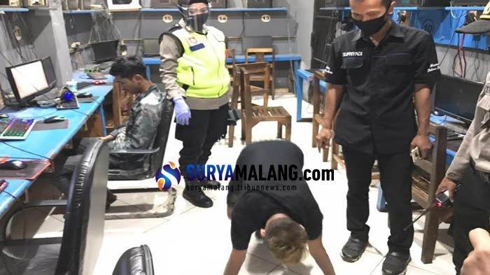 Terjaring Razia, Pengunjung Warnet di Kota Blitar Tak Pakai Masker Disuruh Push Up