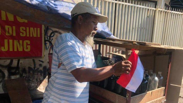 Wakapolrestabes Surabaya Ajak Masyarakat Kibarkan Bendera Merah Putih Tanda Perjuangan Lawan Pandemi