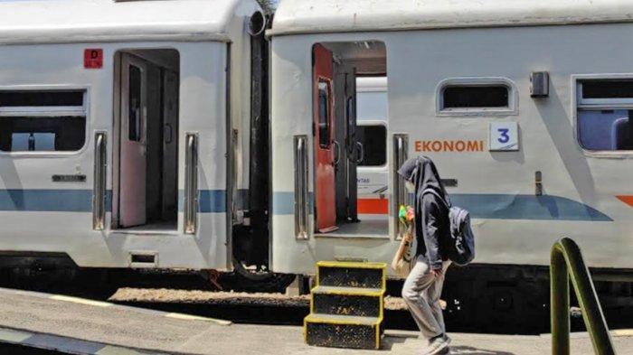Penumpang Kereta Api di Stasiun Blitar Mulai Meningkat saat Uji Coba New Normal