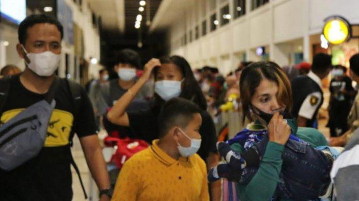 'Curi Start' Mudik, 17 Ribu Orang Padati Bandara Juanda Surabaya