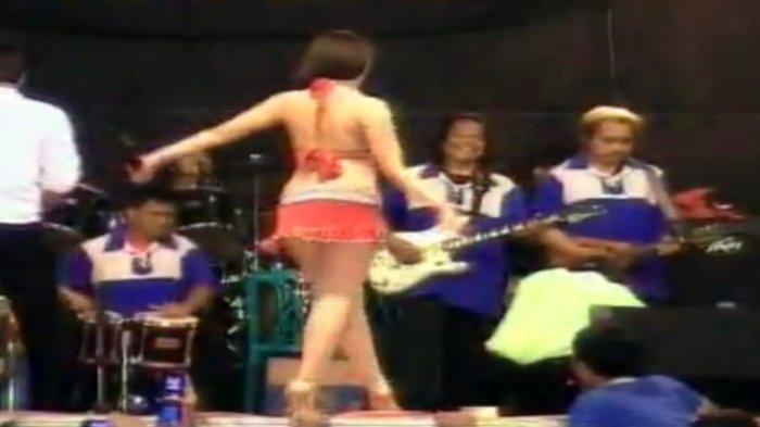 Penyanyi Dangdut Berpakaian Seksi nan Vulgar Dilarang Tampil, Begini Alasan Kepolisian . . .
