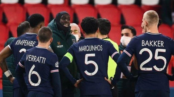Keterlaluan! Wasit Laga PSG Vs Istanbul Diduga Hina Pemain dengan Nada Rasis, 2 Klub Kompak Berhenti