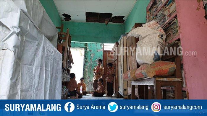 Terganjal Birokrasi, Bangunan Perpustakaan Ambruk di SD Negeri Mojokerto Terbengkalai 5 Tahun