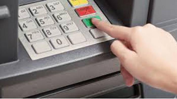 Tips Agar Saldo Tak Raib Akibat Card Skimming, Jangan Sembarangan Gesek Kartu ATM!