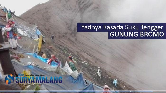 VIDEO : Keriuhan Upacara Kasada Gunung Bromo di Tengah Status Waspada