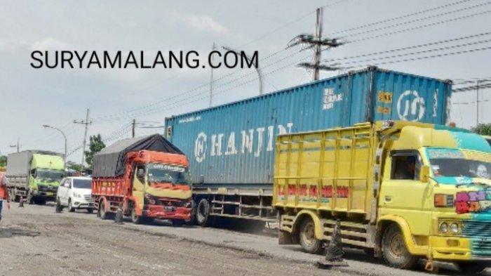 Perbaikan Jalan Berlubang Picu Kemacetan di Jalur Tuban-Widang