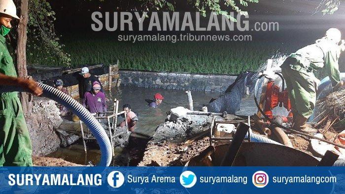 Pipa Penyalur Gas Bocor di Dekat Pemukiman Penduduk Desa Kalidawir, Sidoarjo