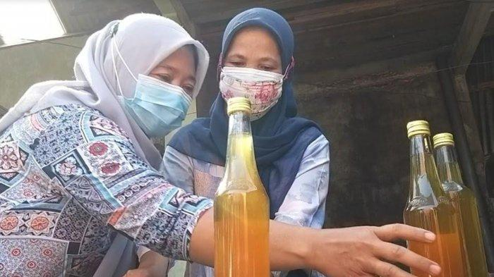 Masyarakat Madiun Gotong Royong Bikin Jamu untuk Warga yang Menjalani Isolasi Mandiri